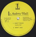 DON'T TOUCH - Audrey Hall